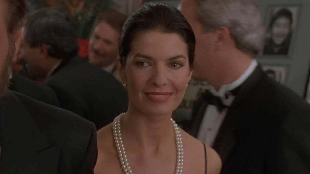 Sela Ward in pearl necklace