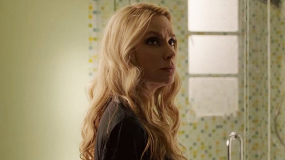 Meadow Williams as Holly in Den of Thieves