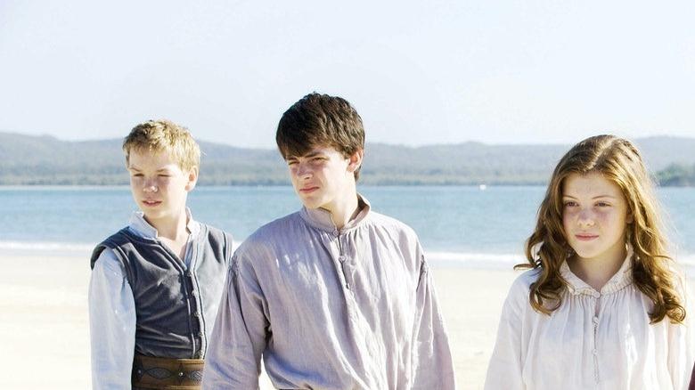 Narnia characters shoreline