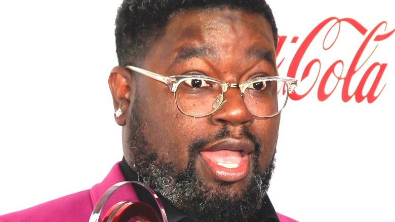 Lil Rel Howery poses at event