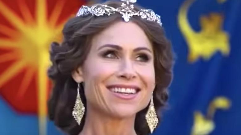 Minnie Driver wearing a tiara in Cinderella