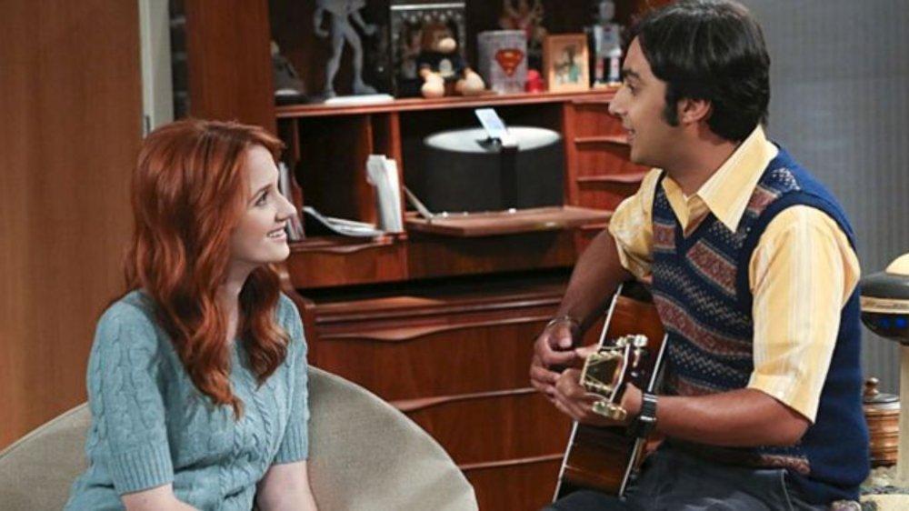 Raj (Kunal Nayyar) and Emily (Laura Spencer) bond on The Big Bang Theory