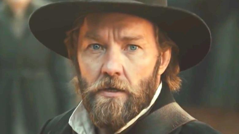 Joel Edgerton Ridgeway beard hat