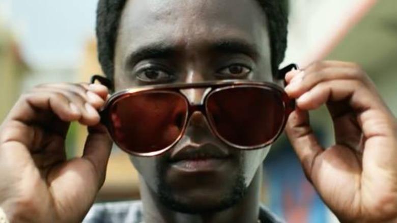 Edi Gathegi with shades in StartUp