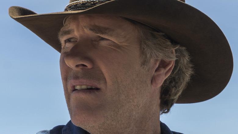 Robert Taylor Walt Longmire cowboy hat squinting