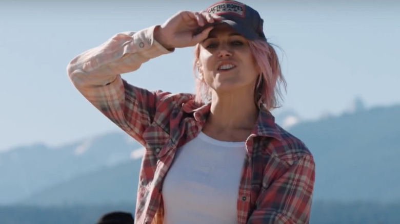 Jennifer Landon as Teeter on Yellowstone