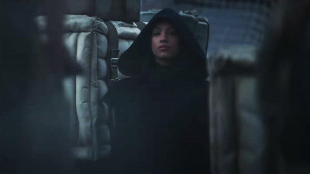 The hooded figure from The Mandalorian season 2 trailer
