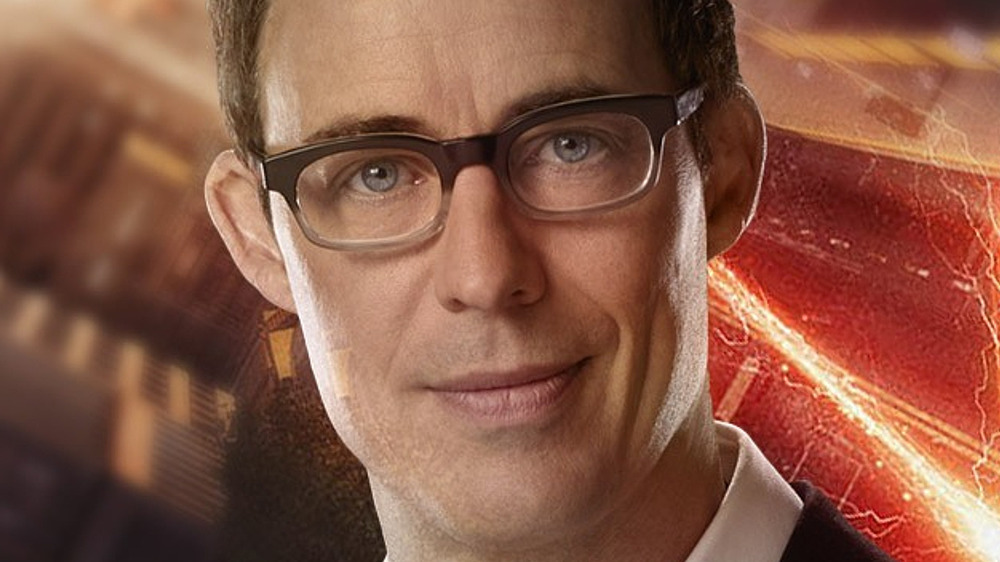 Harrison Wells in glasses