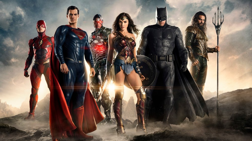 Ezra Miller, Henry Cavill, Ray Fisher, Gal Gadot, Ben Affleck, and Jason Mamoa as the Justice League.