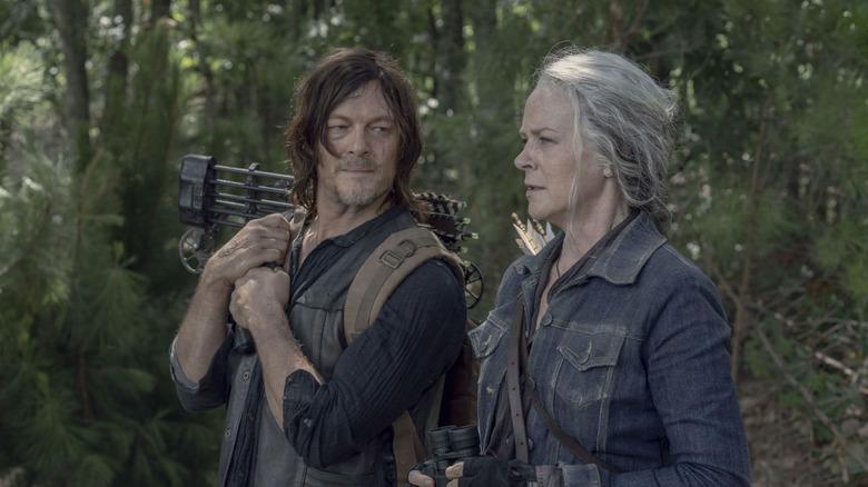 Daryl and Carol Walking Dead