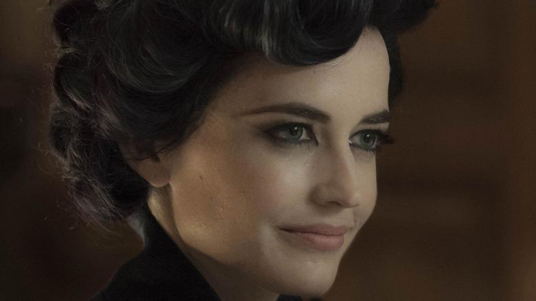 Miss Peregrine grinning