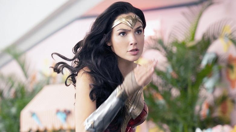 Gal Gadot Wonder Woman running